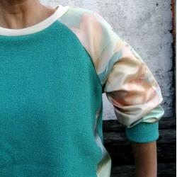 Sweatshirt vert d'eau manches à imprimé fleuri